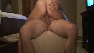 Amateur anal riding on top with anal butt plug stuck up her ass