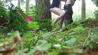Blowjob and finger fuck in the woods